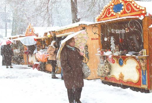 Überwältigende Resonanz beim ersten Wildbader Advents- und Weihnachtsmarkt beim Johanneshaus
